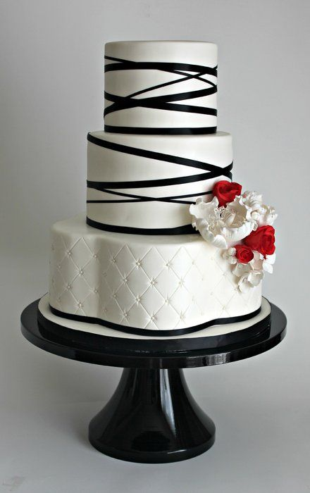 Wedding Cake Black White Beauty With Red White Flowers