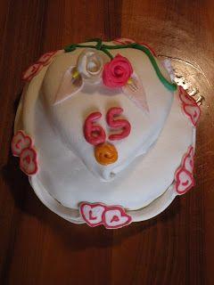 Torta a due piani per festeggiare il 65esimo anniversario di matrimonio dei miei nonni.