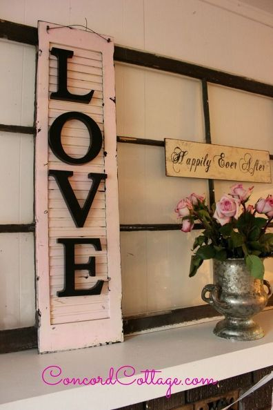 turn an old shutter into shabby chic wall decor - Decor Ideas