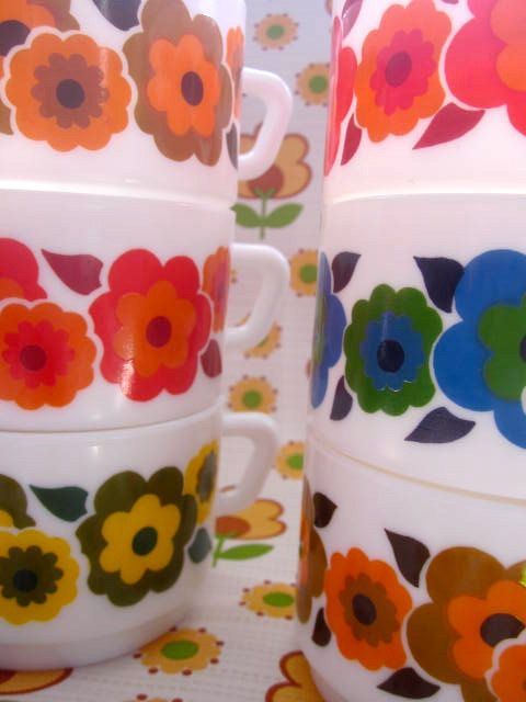 6 Arcopal 1970s Flowery Flower Cafe Au Lait Cups.