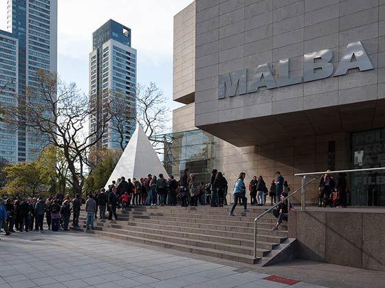 MALBA | Museo de Arte Latinoamericano de Buenos Aires | La colección de Malba posee un acervo único en el mundo que reúne obras de las principales tendencias y movimientos que caracterizan al arte de la región, desde México y el Caribe hasta la Argentina.