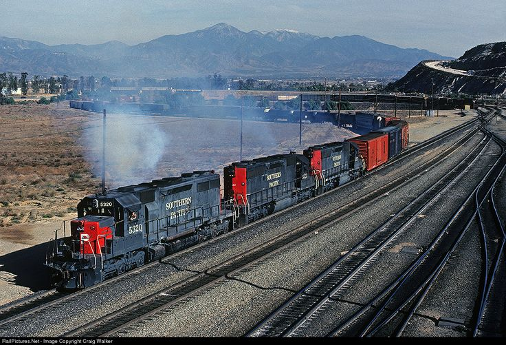 Foto RailPictures.Net: SP 5320 Southern Pacific Railroad EMD SD39 em Bloomington, Califórnia por Craig Walker