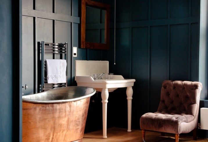 Number Thirty Eight hotel in Bristol. No room for a tub? Take a lesson from this tiny hotel bath
