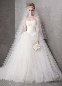 looking at something: Verawang, Vera Wang, Wedding Dressses, Ideas, Bridal, Ball Gowns, Dreams, Wedding Dresses, Weddings