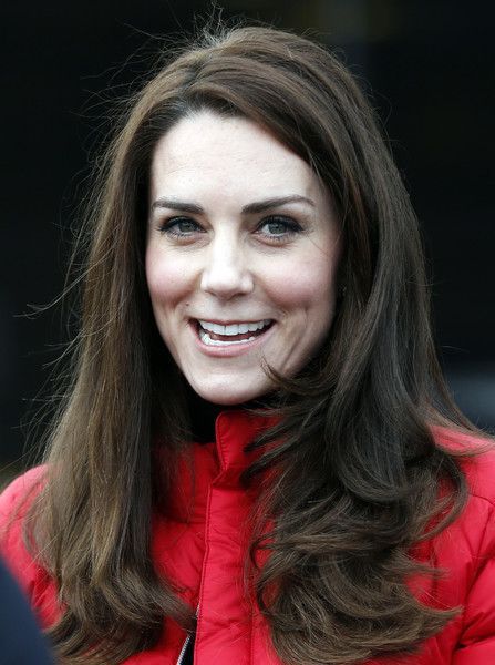 Kate Middleton Photos Photos - Catherine, Duchess of Cambridge speaks to runners during a Marathon Training Day with Team Heads Together at the Queen Elizabeth Olympic Park on February 5, 2017 in London,  England. - The Duke & Duchess Of Cambridge And Prince Harry Join Team Heads Together At A London Marathon Training Day