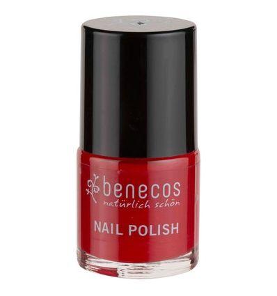 Τα βερνίκια νυχιών της Benecos δεν περιέχουν φορμαλδεϋδες, τολουόλη, φθαλικά και καμφορά. Έχουν μεγάλη διάρκεια και μεταξένια υφή.