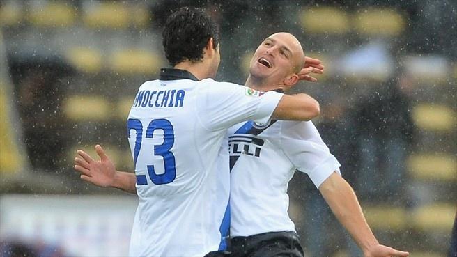 #elcuchu Esteban Cambiasso (FC Internazionale Milano)  Esteban Cambiasso of FC Internazionale Milano celebrates after scoring their third goal during a Italian Serie A match against Bologna FC
