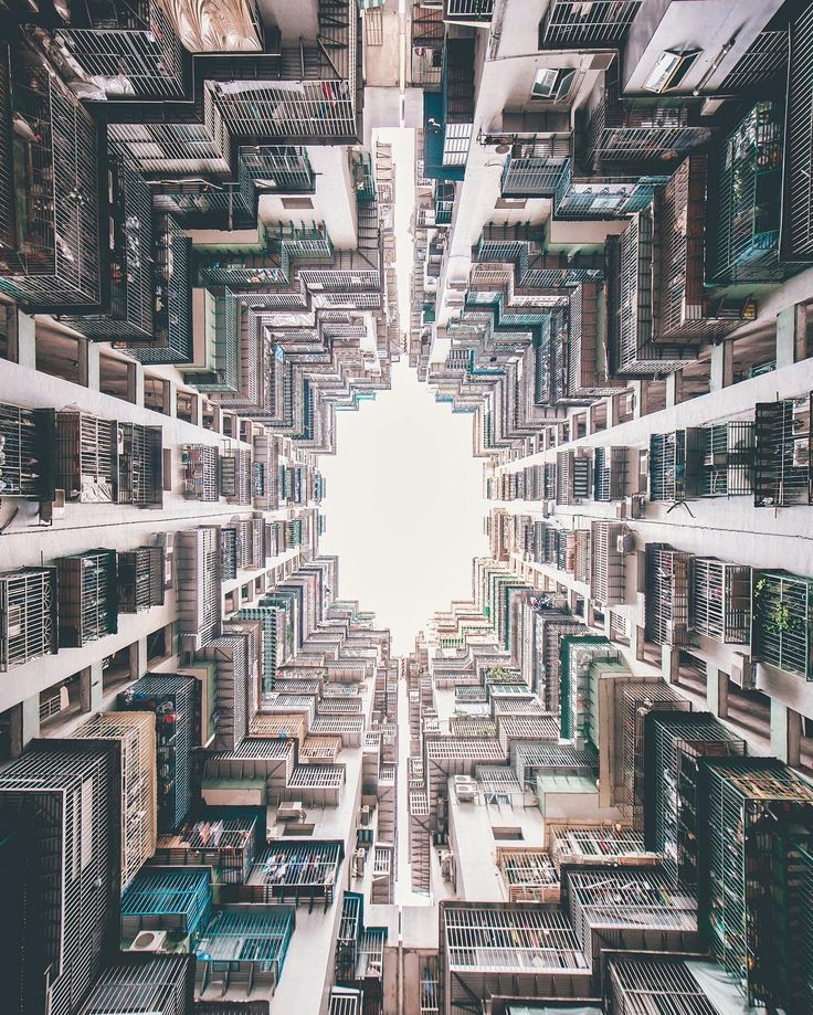 Yik Keat is a young self taught photographer based in Singapore. Yik, who has accumulated a following of 123,000 individuals on Instagram, specializes in cityscape and urban photography.