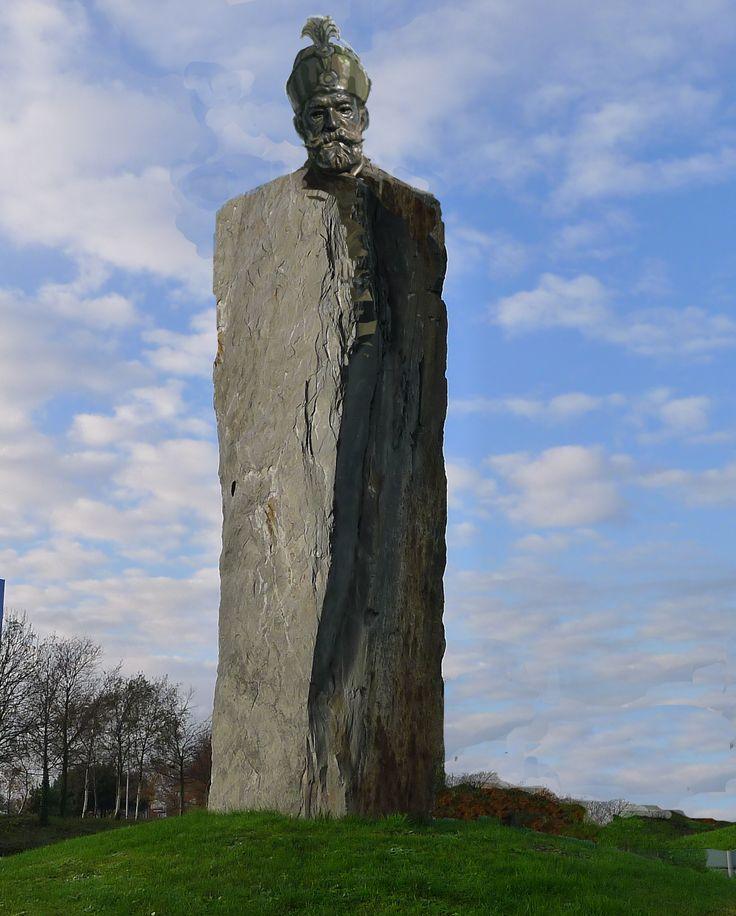 Bethlen, szoborterv, kő-bronz, 4m
