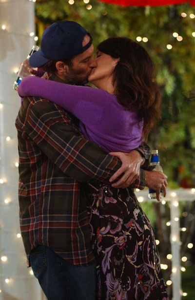 Luke and Lorelai first kiss 'Gilmore Girls'