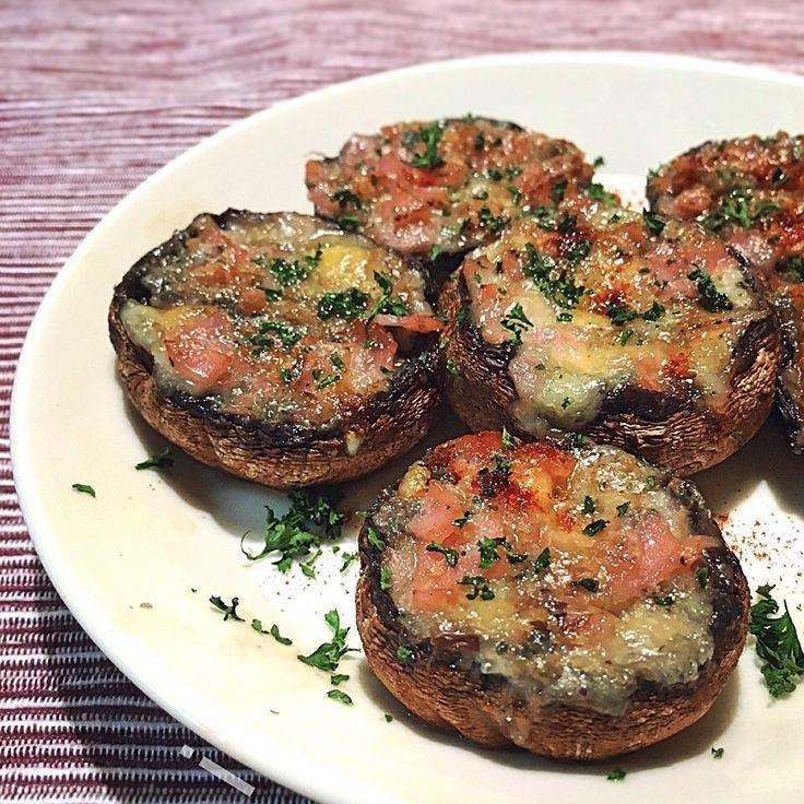 izoom's dish photo マッシュルームとブルーチーズのグリル   Funghi al Barone | http://snapdish.co #SnapDish #レシピ #きのこの日(10月15日) #チーズ #焼く/炒め物 #おつまみ #再現料理