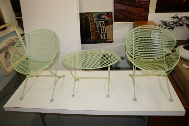 Salterini mid century modern patio set in original mint green finish. Can't wait to get our set refinished.