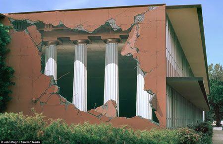 Pinturas 3D em paredes, tetos, calçadas & ruas - Miragens urbanas ~ Você realmente sabia?