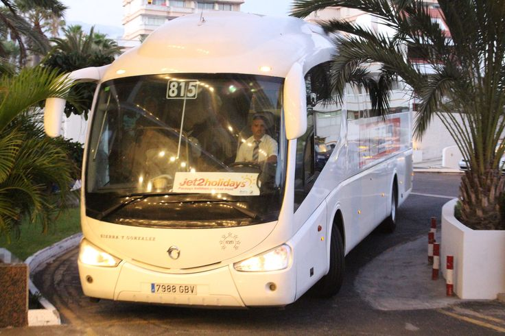 https://flic.kr/p/MeukpU | 815 7988GBV Eurorider Irizar PB Sierra Y Gonzalez | Seen at the Bitacora Hotel on Jet2 transfer duties - previously operated with Transunion on Majorca and then in Natalie Tours livery before joining SYG in Tenerife