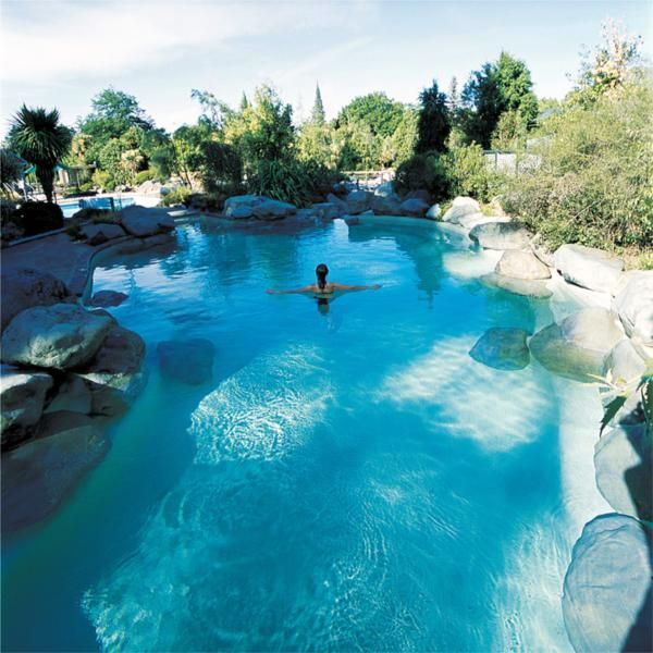 I would love to spend an evening at the Hanmer Springs Thermal Pools after touring the wineries :)