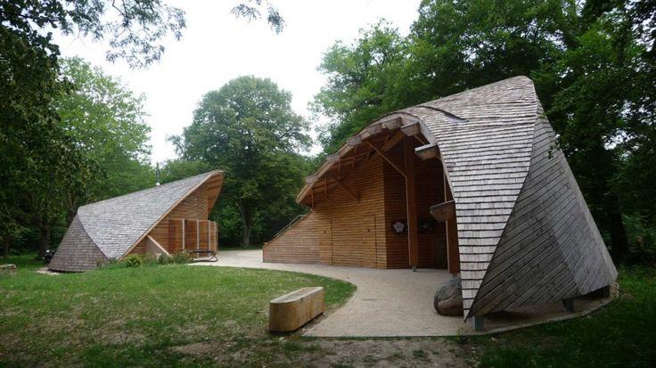 Centro de Ecoturismo da França. Arquitetura bem original!