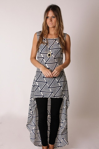 zahara tunic top- LOVE this style of tunic. I need a high-low tunic