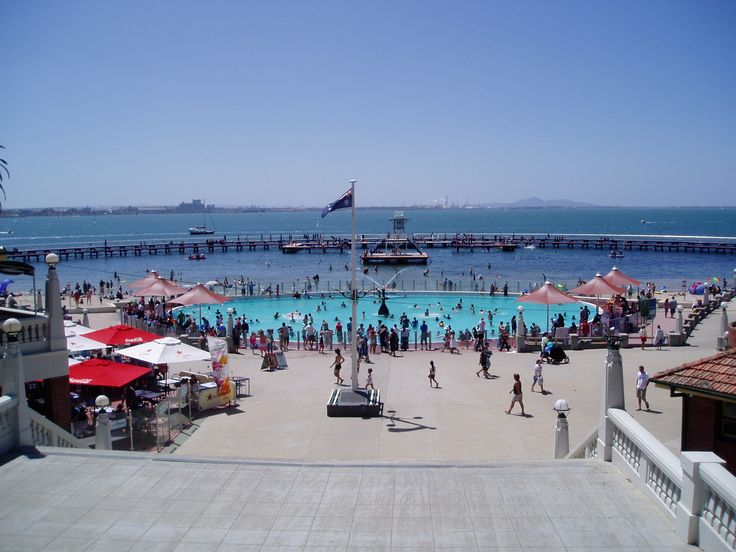 GEELONG BAYSIDE..... This is a great place for kids in summer.  An inner paddling pool for toddlers with glass safety fence surrounding it, and a large semi circular pier enclosing a seawater pool for big kids like Lil and Me.