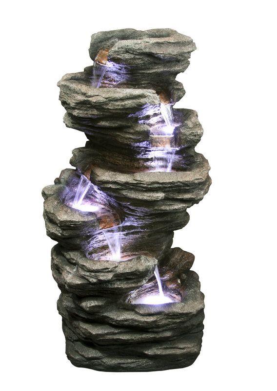 Kaskádová fontána imitující štípanou břidlici. Dokonale se hodí jako doplněk jezírka či skalky, vhodná také do hal a atrií.Tato fontána je podobná Kaskádě. Od Kaskády je rozměrově menší, provedena zrcadlově a imituje jiný druh kamene. Voda vytéká z otvoru v kameni na vrcholku fontány a kaskádově stéká přes sedm žlabů. Z posledního žlabu je vodní pumpou přečerpávána zpět.  V každém žlabu je umístěna LED dioda, která efektivně zvýrazní proud vody.