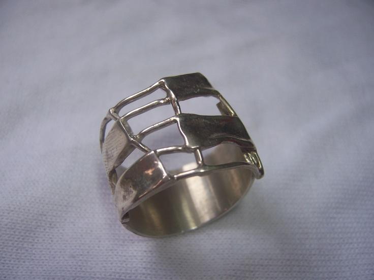 anillo de plata fuego controlado