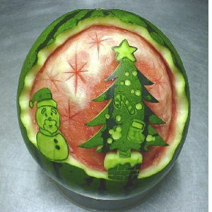 watermelon sculpture: Christmas Tree and Snowman.Carvings Watermelon, Watermelon Sculpture, Watermelon Art, Holiday Food, Watermelon Carvings, Christmas Trees, Food Art, Watermelon Freak, Carvings Melon