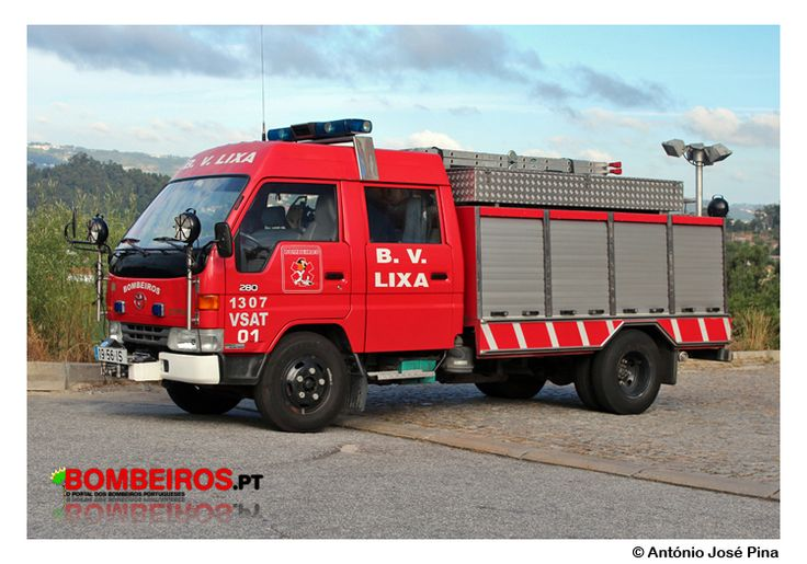 Bombeiros Voluntários da Lixa - 1307 VSAT 01 Toyota Dyna