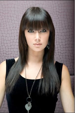 .always wanted to try bangs like this... Don't think I could pull it off my hair is to thin :(