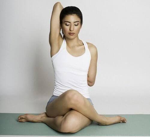 Exercícios de ioga para tratar o tunel do carpo