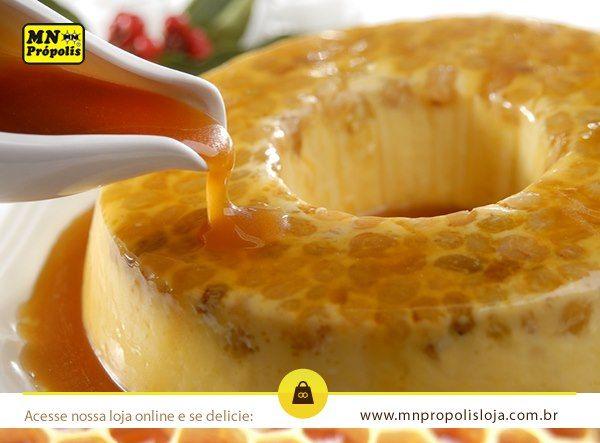 Para adoçar a sua quinta-feira nós resolvemos trazer uma receita irresistível: Pudim de mel!  Ingredientes: ½ kg de farinha de rosca, 2 copos de mel, 6 ovos e 1 pacotinho de canela. Modo de fazer: misture tudo até obter uma massa homogênea e mole. Coloque em uma forma, leve ao forno durante meia hora. Espere esfriar, leve à geladeira e sirva deliciosamente gelado.   Bom apetite!