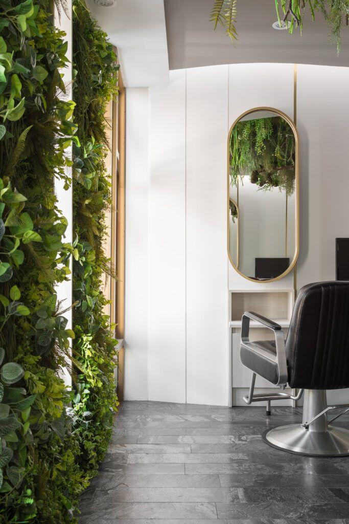 The Most Beautiful And Modern Hair Salon Decor Ideas And Hair Salon Designs Find Hairdressing Salon Pictures Of Int In 2020 Hair Salon Design Salon Decor Salon Design