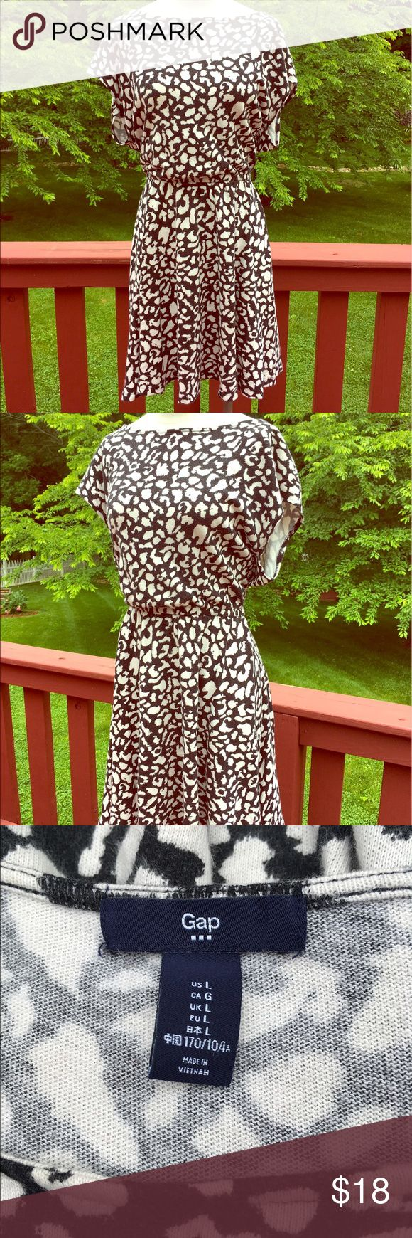 ⭐️Black and White Cheetah Print Gap Dress⭐️ ⭐️Black and White Cheetah Print Gap Dress⭐️ I LOVE this dress!! ❤️ Perfect for summer! Easy to wear, looks great! Slip it on, add some sandals and you're set! Great condition. Gap brand. Next day shipping. All sales are final. GAP Dresses Midi