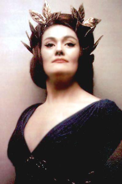 Dame Joan Sutherland....La Stupenda <3