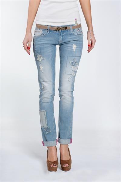 Купить голубые летние джинсы