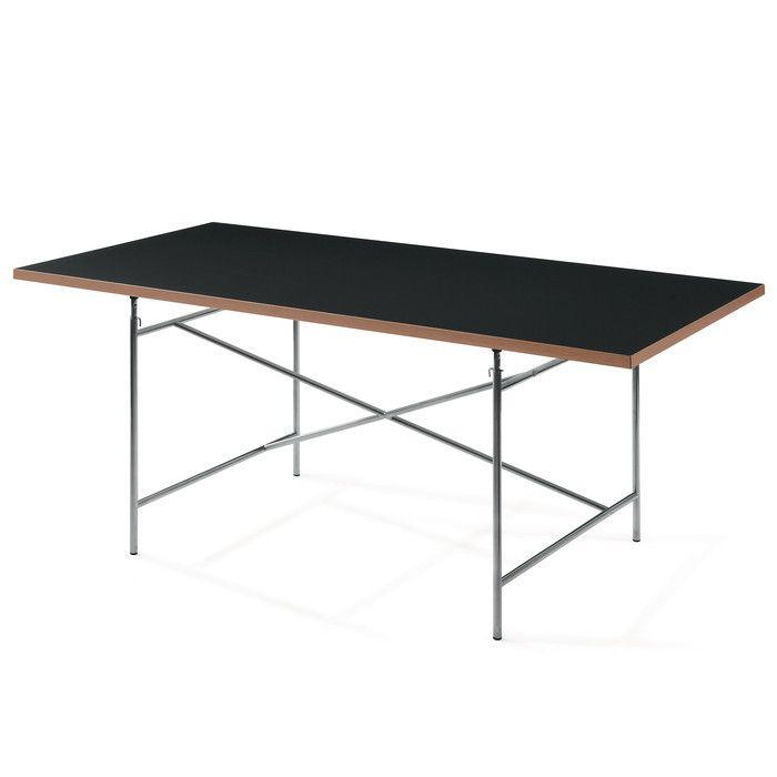 Tischgestell hier in der Originalversion: das minimalistische, durch raumdiagonale Kreuzstreben standfest ausgesteifte Stahlrohrgestell von Egon Eiermann