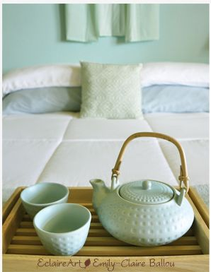 """TIP: Set out a tea pot and cups to create a cozy """"lived in"""" vibe ... and it's always ready when you are."""