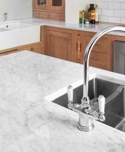 Nydelig marmor på Neptun Home kjøkken