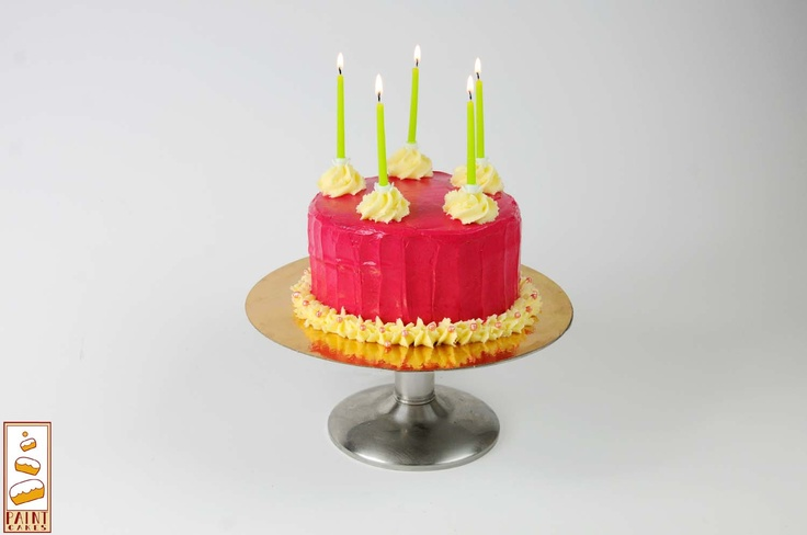Nos layer Cakes sont personnalisables!    Commande génoise vanille crème à la framboise    contact.paintcakes@gmail.com    http://www.facebook.com/Paintcakes