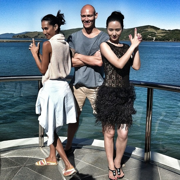License to thrill at #return2paradise with @lindyklim @michaelklim1 and #supermodel #liyahong @Hamilton Island