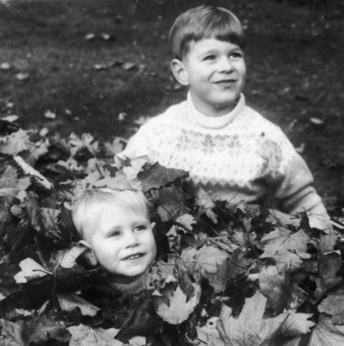 THE CUTEST photo of young Princes Andrew and Edward, sons of Queen Elizabeth II and Prince Philip.