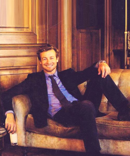 Simon Baker, as always looking good.  #mens suits #mens fashion #bespoke www.montagio.com.au