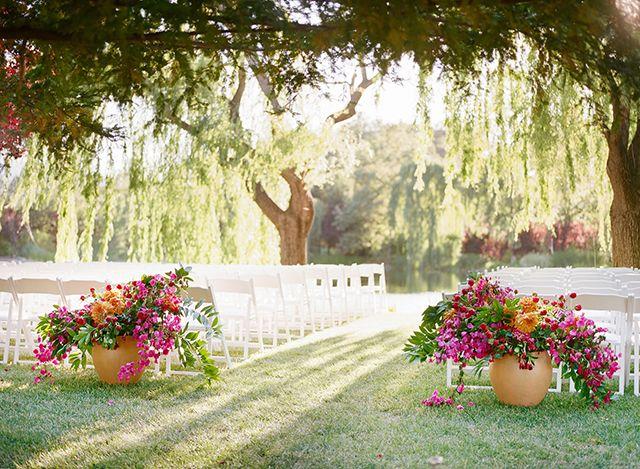 Elegant Purple Wedding At Black Swan Lake: Best 25+ Bougainvillea Wedding Ideas On Pinterest