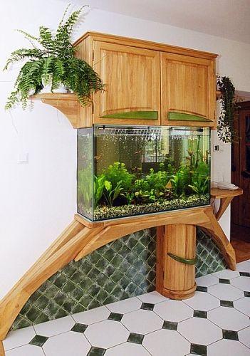 Suport acvariu din lemn cu dulap deasupra