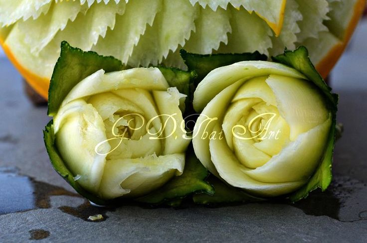 Intaglio thai secondo Giuseppe D'Alessandro Zucchine #Roses #sonolepiccolecoseafareladifferenza  https://www.facebook.com/pages/GDThai-Art/611872622279161