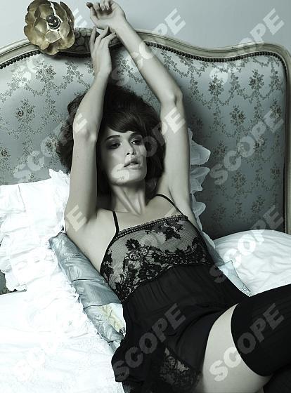 boudoir style submissive pose boudoir i love it pinterest boudoir style and boudoir. Black Bedroom Furniture Sets. Home Design Ideas