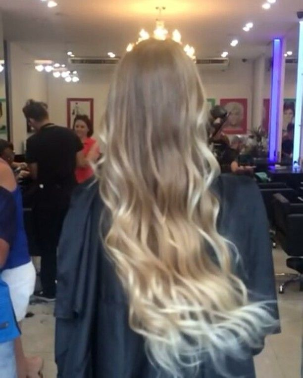 by #equipemarcelladias no @mega.hairline com produtos incríveis da @lecharmes os melhores matizadores  #hair #fashion #fashionhair #job #beautifulhair #brazilianhair #madeinbrazil #megasalao #longhair #morenacanela #reflexo #haircut #haircolor #reflexo #hair #fashion #fashionhair #job #beautifulhair #brazilianhair #madeinbrazil #loiro #visagismo #virginhair #cut #color #haircut