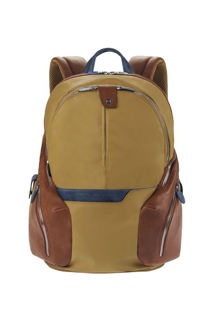 Piquadro Coleos backpack http://www.piquadro.com/_/zaino-porta-computer-con-porta-ipad-ipadrair-3415.html