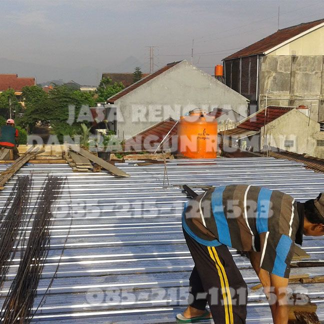 Kami adalah team Jasa Renovasi dan Bangun Rumah Professional yang berada di Bandung. Anda sedang membutuhkan Tukang ? Berminat menggunakan jasa kami ? Segera Hubungi ke no 085215121523 via sms/tlp/wa. Kami melayani Jasa Pembuatan Desain / Denah Rumah, Hitung RAB, Pembangunan dari Nol, Perbaikan / Renovasi Rumah, diantaranya : ~ Jasa Perbaikan Kusen Kropos, Bongkar/Pasang Kusen Kayu/Alumunium. ~ Jasa Perbaikan Dinding Retak/Rembes, Plester Dinding, dll ~ Jasa Perbaikan Cat Mengelupas, cat…