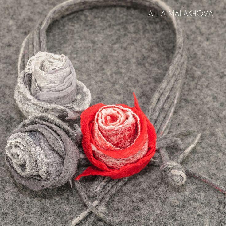 Купить Валяное колье Рождение Цвета.Красный - серый, красный, алый, валяное колье, роза
