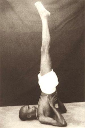 1943: Pattabhi Jois demonstrating his Ashtanga / Vinyasa Yoga  ...... #vintageyoga #yogahistory #ashtanga #ashtangayoga #yoga #yogainspiration #1940s