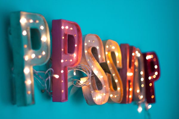 PPSShop cartel DIY encendido. Could I possibly just get this spelling my name so I can put it in my bedroom?
